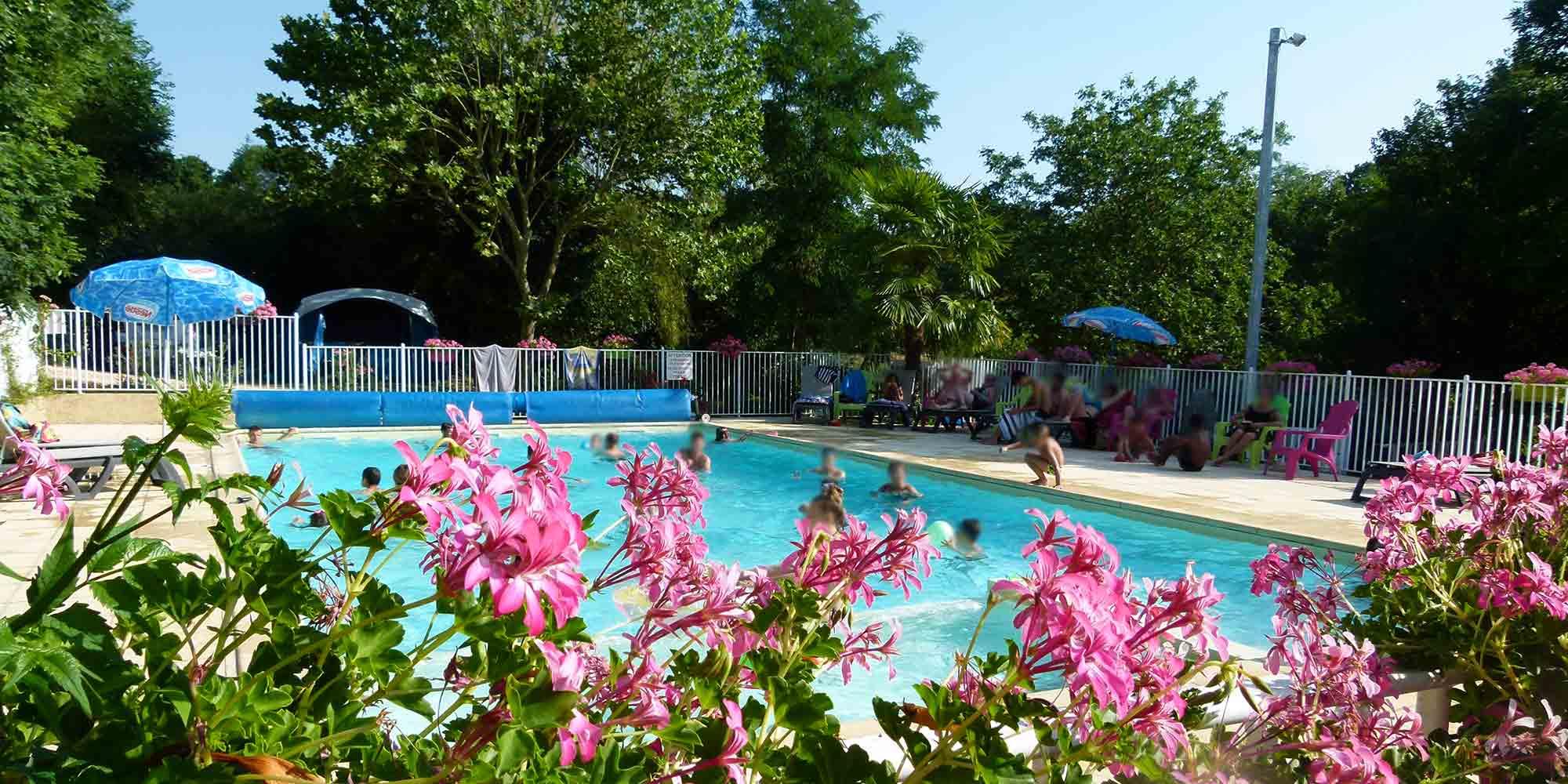 Camping lot vall e de la dordogne proche padirac et rocamadour for Camping la ciotat avec piscine
